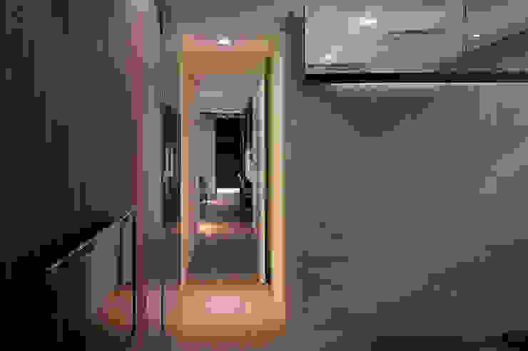 Gradient Space 現代風玄關、走廊與階梯 根據 沈志忠聯合設計 現代風