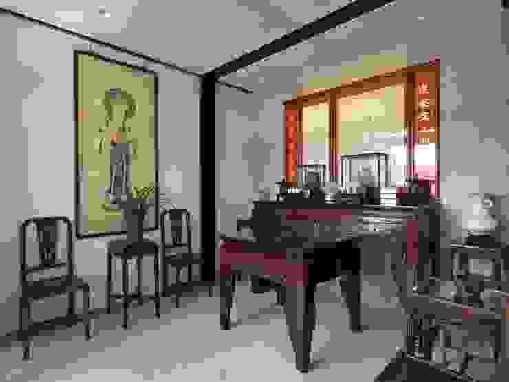 明亮、沉穩、靜定 現代風玄關、走廊與階梯 根據 前置建築 Preposition Architecture 現代風