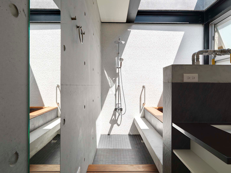 光的沐浴 現代浴室設計點子、靈感&圖片 根據 前置建築 Preposition Architecture 現代風