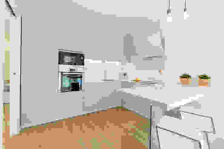 Dapur Modern Oleh Home Staging & Dintorni Modern