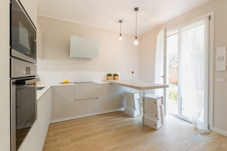 Modern Kitchen by Home Staging & Dintorni Modern