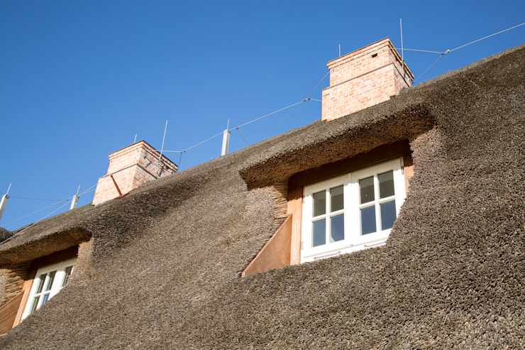 現代房屋設計點子、靈感 & 圖片 根據 Home Staging Sylt GmbH 現代風