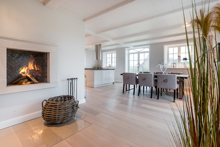 Living room by Home Staging Sylt GmbH, Modern