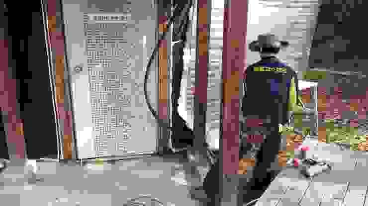 벽면단열과 지붕 단열 2차 시공 by 솔롱고스캠프