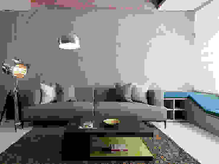 竹風低吟 现代客厅設計點子、靈感 & 圖片 根據 白金里居 空間設計 現代風