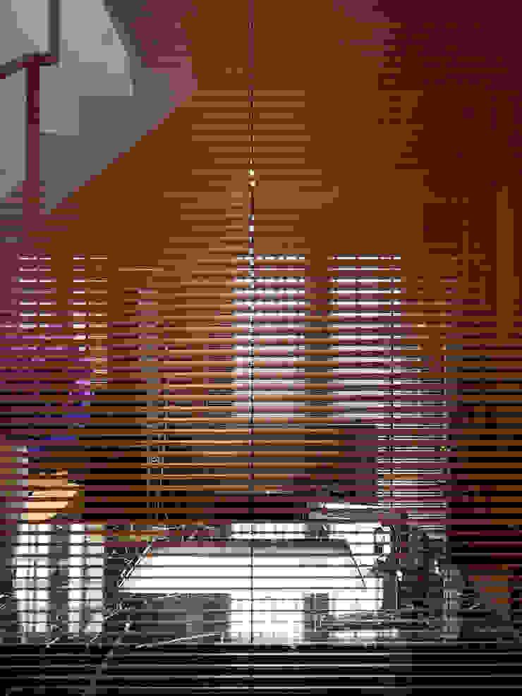 竹風低吟 現代浴室設計點子、靈感&圖片 根據 白金里居 空間設計 現代風