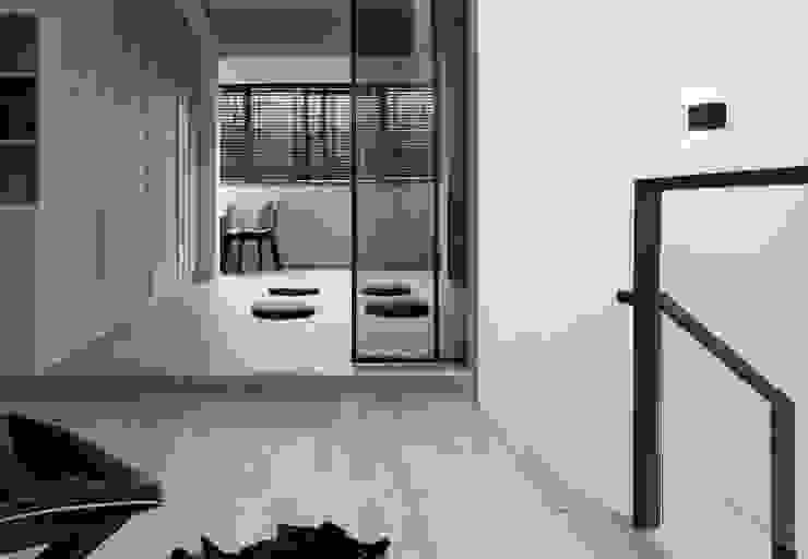 Bedroom by 白金里居  空間設計, Modern