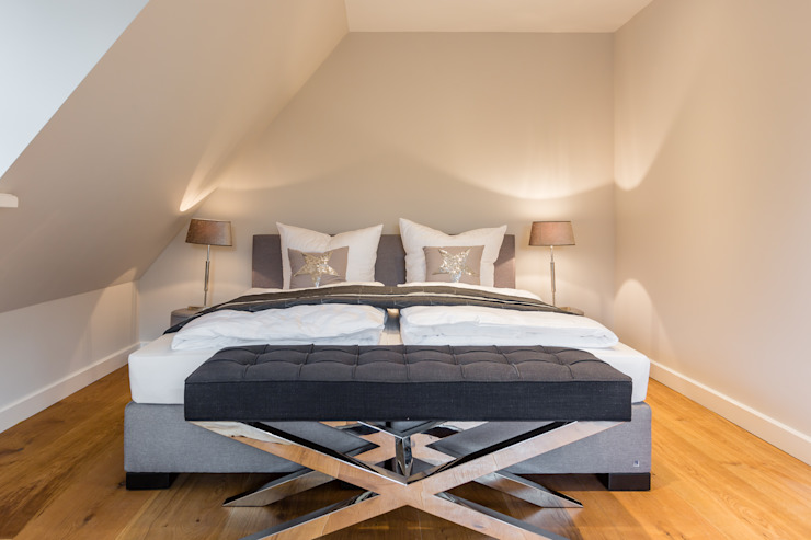 Modern style bedroom by Home Staging Sylt GmbH Modern