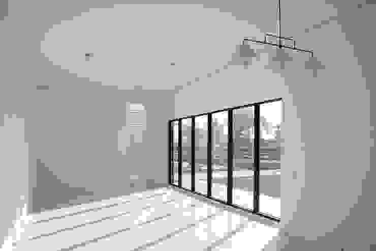 建築就是室內 现代客厅設計點子、靈感 & 圖片 根據 賴人碩建築師事務所 現代風 水泥