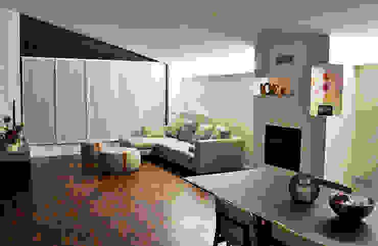 Woonkamer door Cappelletti Architetti, Modern Hout Hout