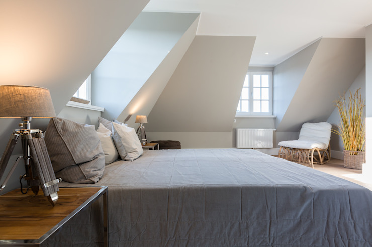 Bedroom by Home Staging Sylt GmbH, Modern