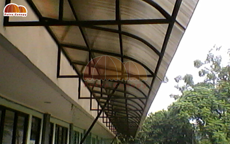 Canopy Polycarbonate :modern  oleh Putra Canopy, Modern Bahan Sintetis Brown