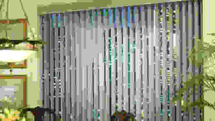 Vertical Blind:modern  oleh Putra Canopy, Modern Bahan Sintetis Brown