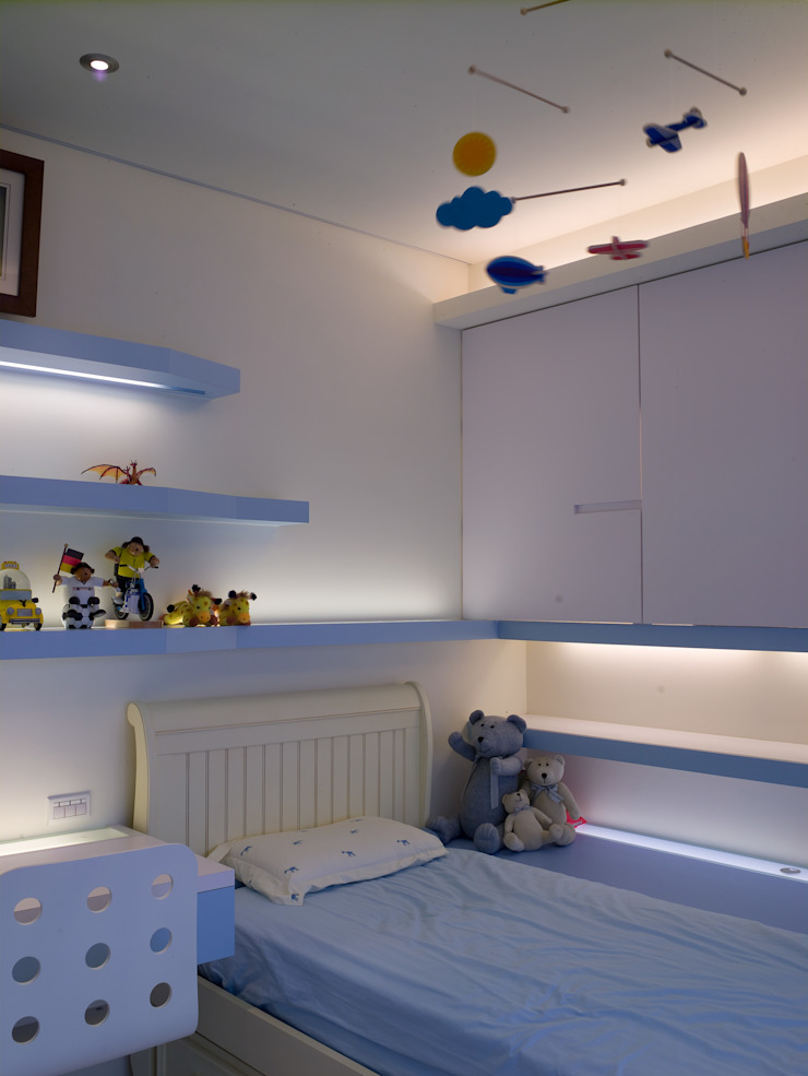 住宅(低調 奢華) 根據 鼎爵室內裝修設計工程有限公司 現代風 合板