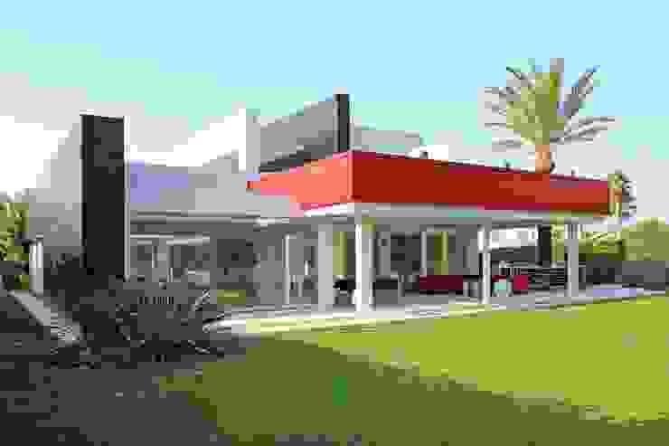 Casas de estilo  por Aguilar Arquitectos, Moderno