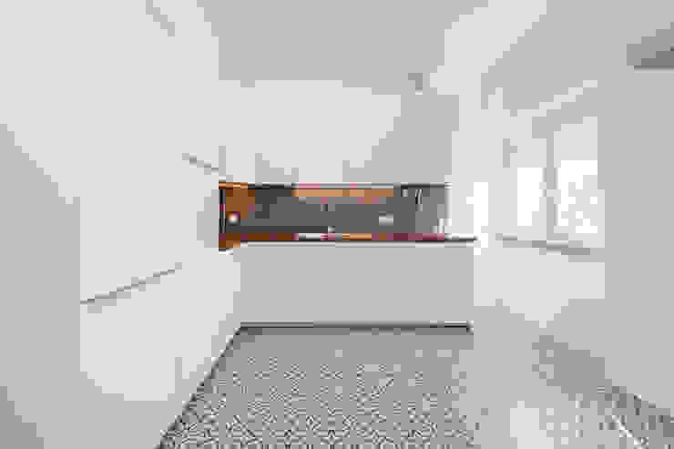 Cocinas modernas: Ideas, imágenes y decoración de homify Moderno
