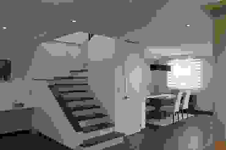 Couloir et hall d'entrée de style  par Home Reface - Diseño Interior CDMX