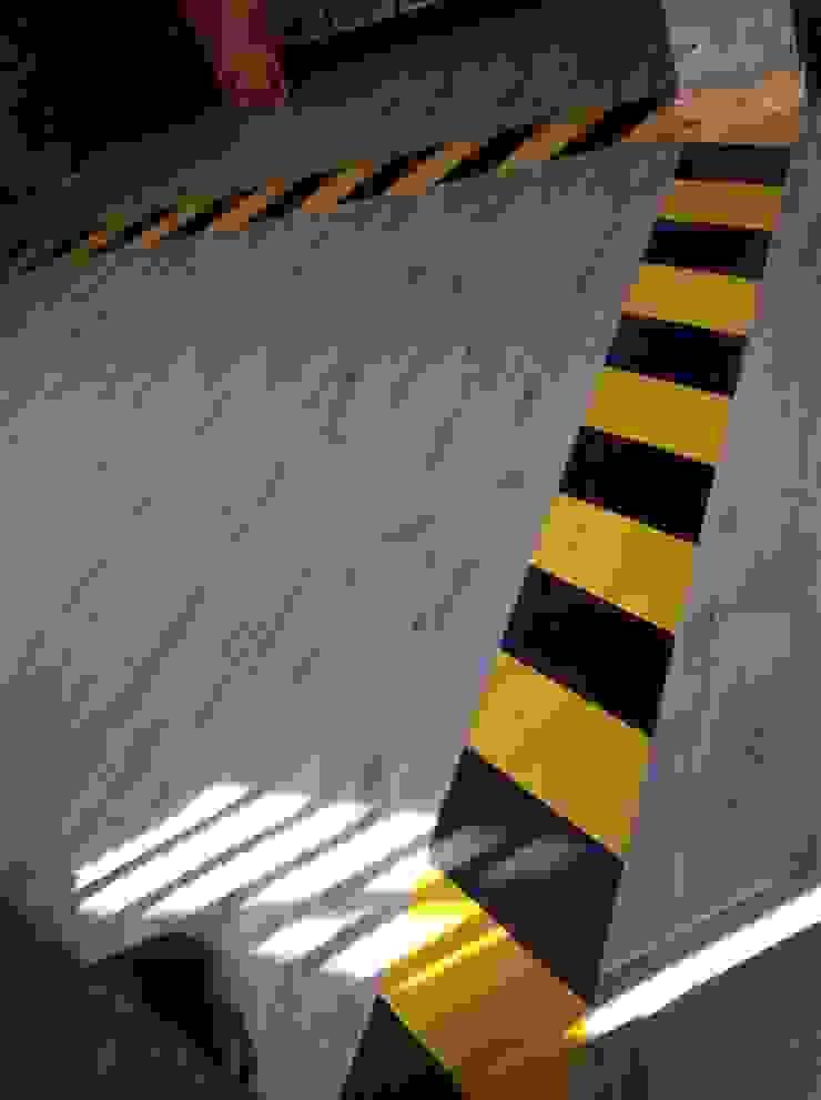 OFICINAS DE ADUANAS _ LACOSTE ASOCIADOS de @tresarquitectos Industrial