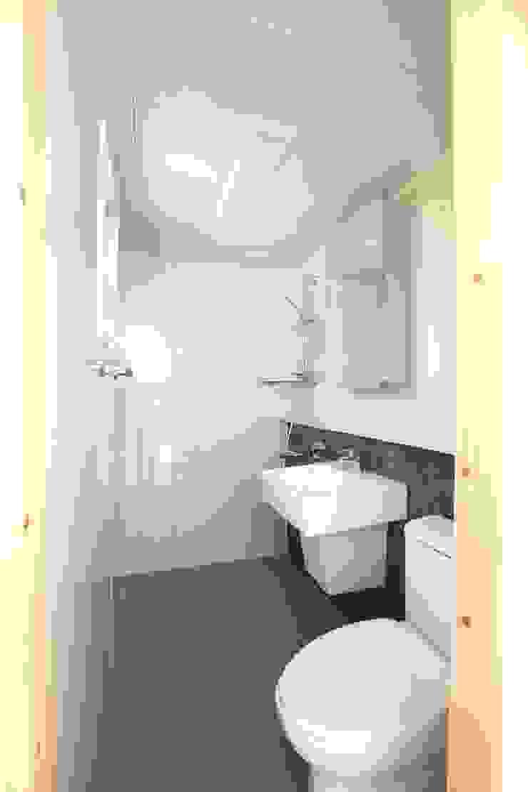 욕실의 모습 모던스타일 욕실 by 스마트하우스 모던