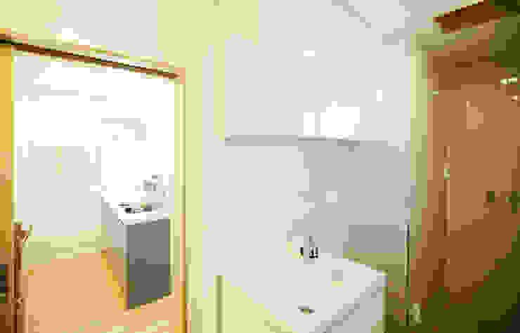 선온재 모던스타일 욕실 by 소하 건축사사무소 SoHAA 모던