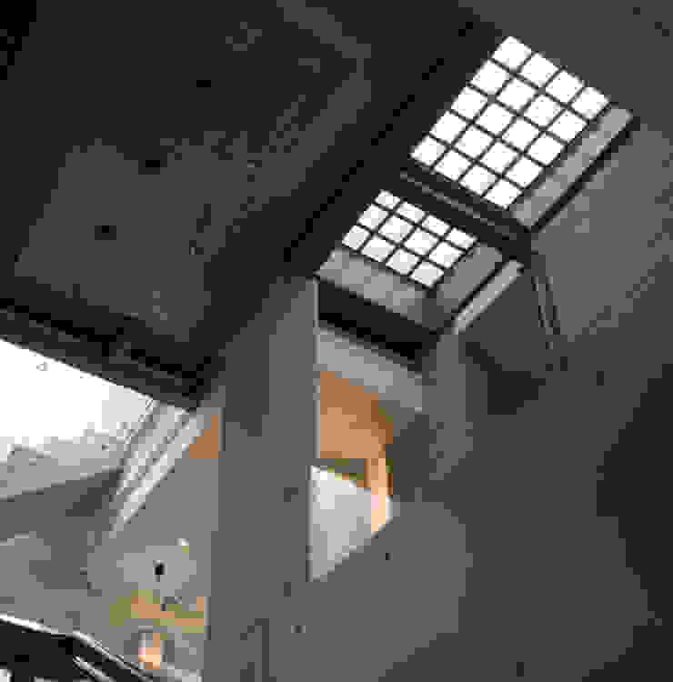 住宅(漫步雲間) 根據 鼎爵室內裝修設計工程有限公司 簡約風 玻璃