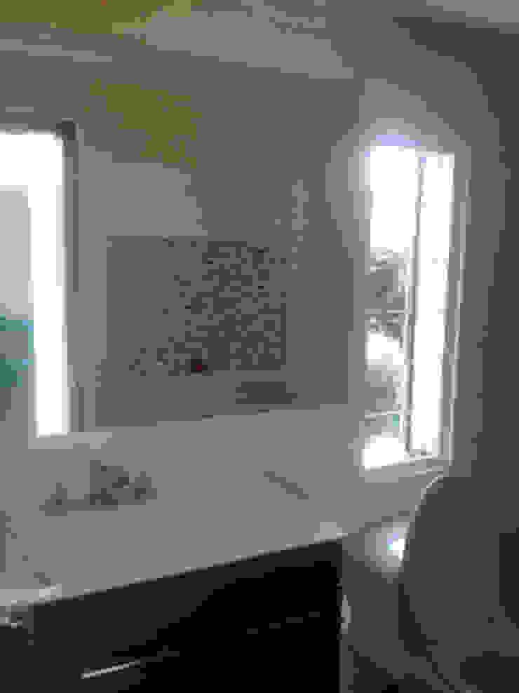 Proyecto Country Baños de estilo moderno de Erick Becerra Arquitecto Moderno