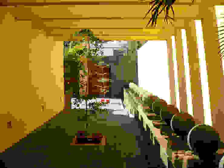 Corredores, halls e escadas modernos por Taller A3 SC Moderno Pedra