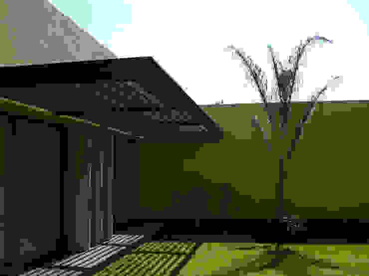 Taller A3 SC Modern houses Metal Yellow