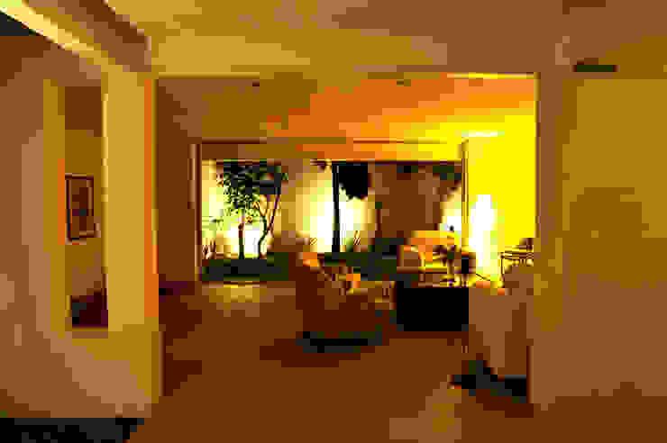 Can HeM Taller A3 SC Livings modernos: Ideas, imágenes y decoración Hormigón Blanco