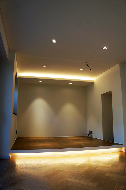 Salon moderne par SPACEHWA Moderne
