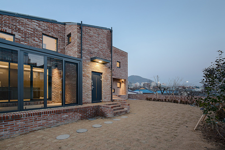 Rumah Modern Oleh (주)건축사사무소 코비 Modern