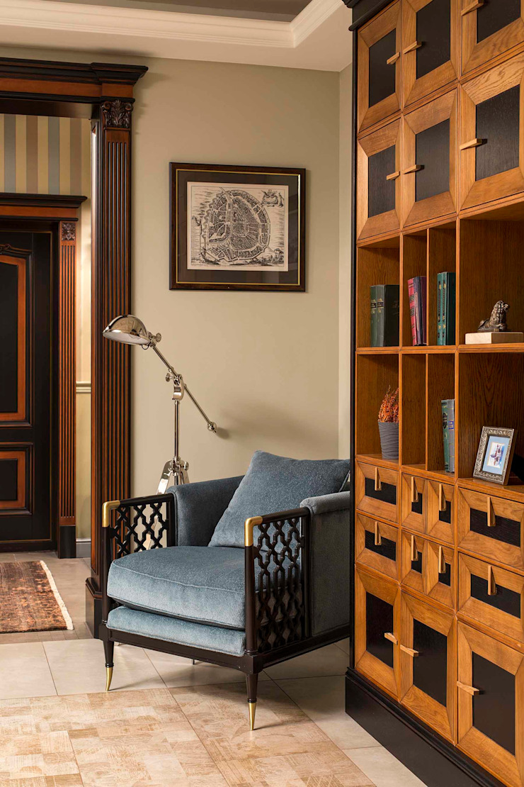 Classic style corridor, hallway and stairs by Dots&points interior design studio Classic