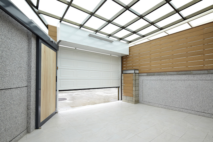 Garagens e edículas  por 映荷空間設計 , Moderno