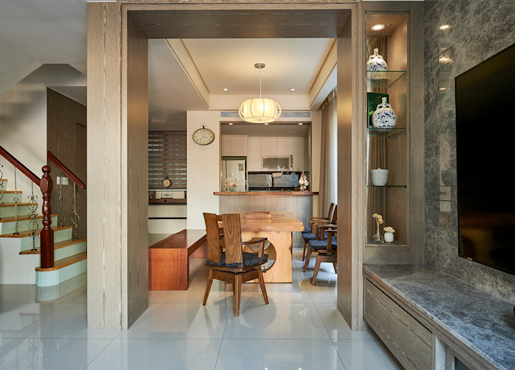 /3 Classic style dining room by 世家新室內裝修公司 Classic