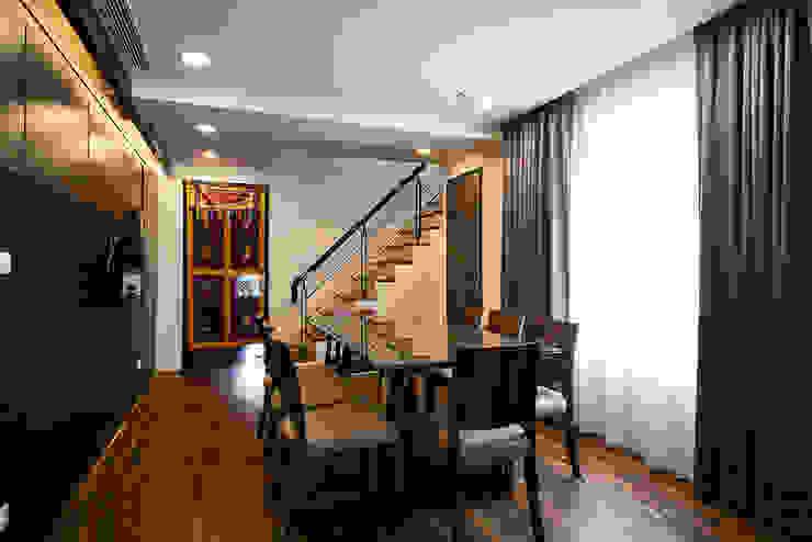 餐廳/1 Asian style dining room by 世家新室內裝修公司 Asian