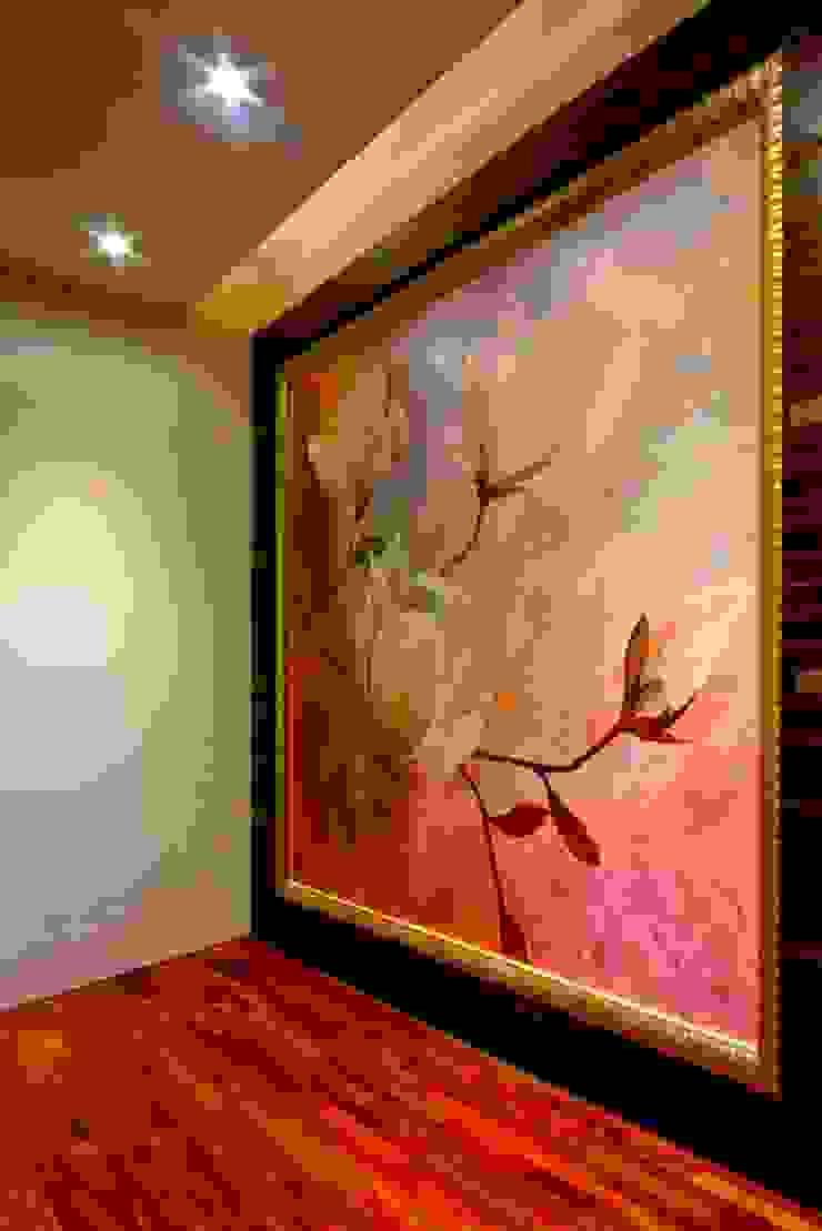 /2 Modern Living Room by 世家新室內裝修公司 Modern