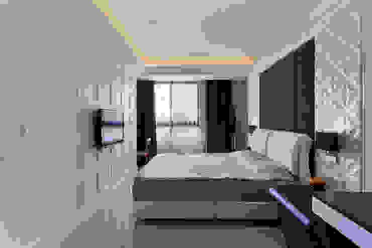 臥室/1 Classic style bedroom by 世家新室內裝修公司 Classic