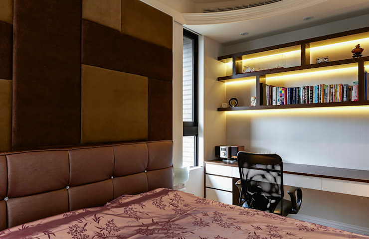 /3 Classic style bedroom by 世家新室內裝修公司 Classic