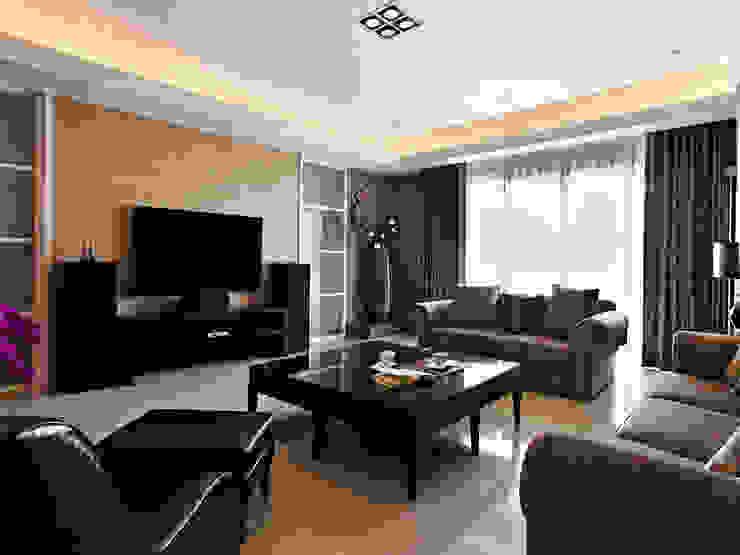 غرفة المعيشة تنفيذ 世家新室內裝修公司