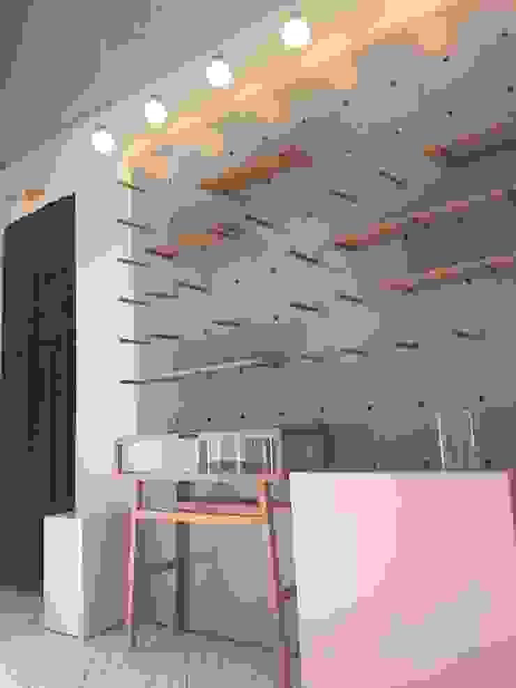 버튼홀 현장 : 이모션디자인의 현대 ,모던