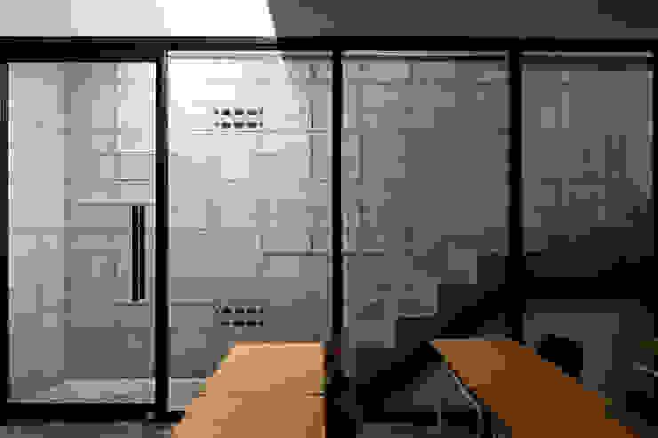 도서출판갈무리 독립공간 뿔. by (주)건축사사무소 더함 / ThEPLus Architects 모던