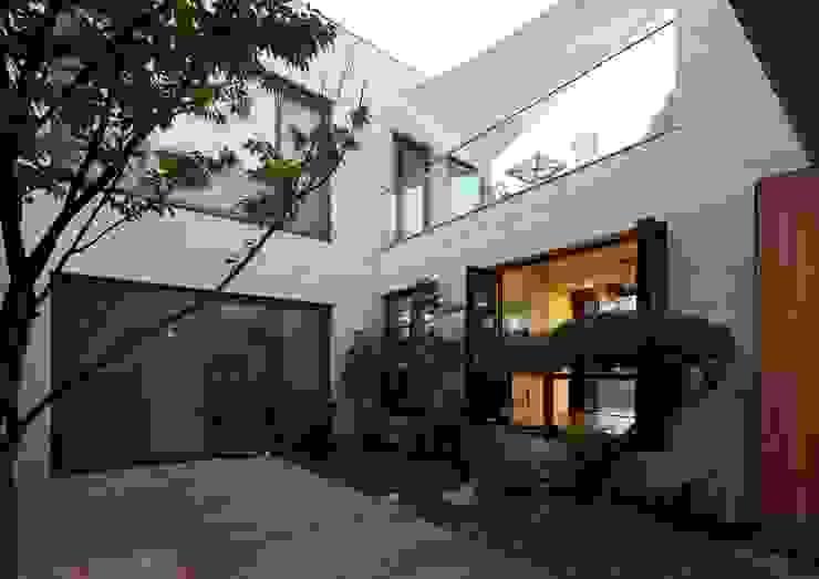 Modern Houses by 아키누스(건축동인) 건축사사무소 Modern