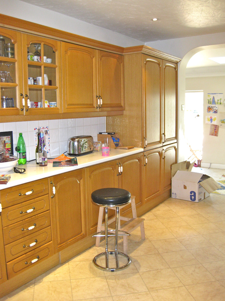 Richmond Kitchen: classic  by Laura Gompertz Interiors Ltd, Classic