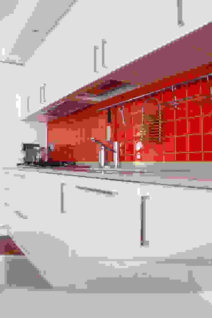 T+T ARCHITETTURA Modern Kitchen