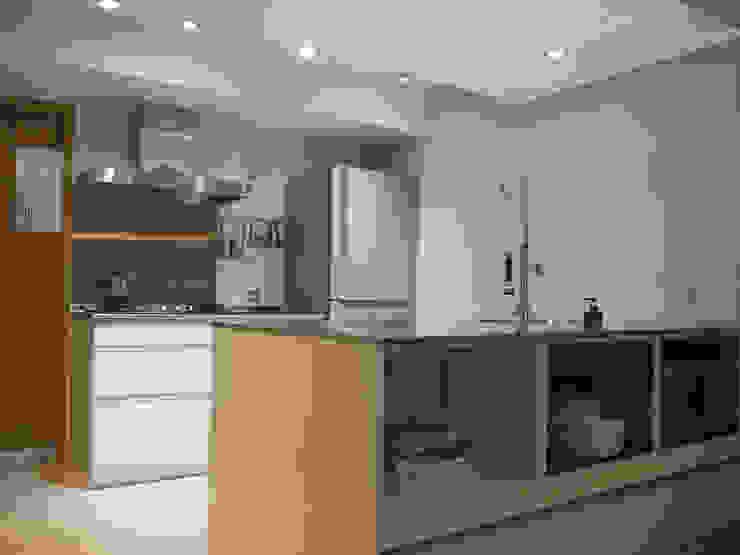 Küche von RND Inc. , Minimalistisch