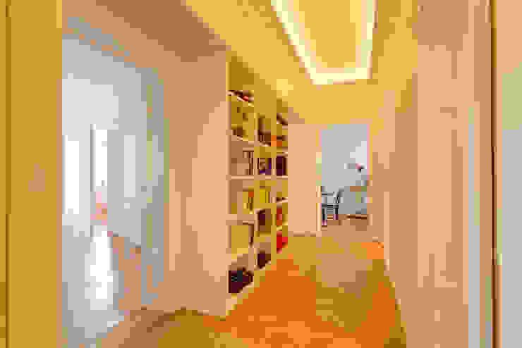 Corridor & hallway by arcs architekten, Classic