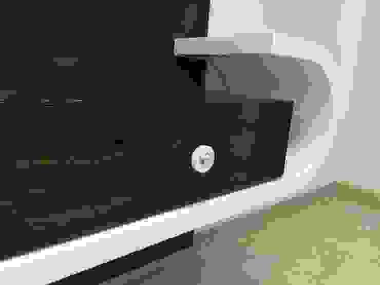 TV Unit Nabh Design & Associates Minimalist living room