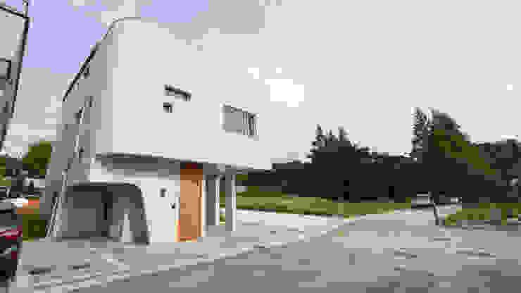 하우스 우 모던스타일 주택 by MOKUDESIGNLAB (모쿠디자인연구소) 모던