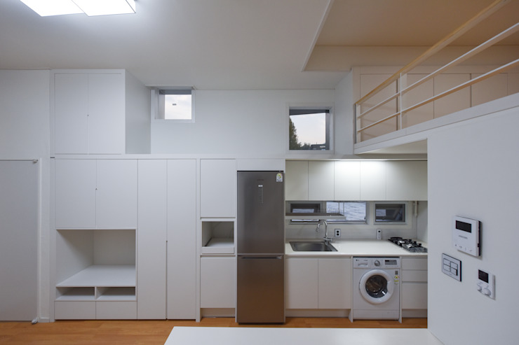 하우스 우 모던스타일 미디어 룸 by MOKUDESIGNLAB (모쿠디자인연구소) 모던