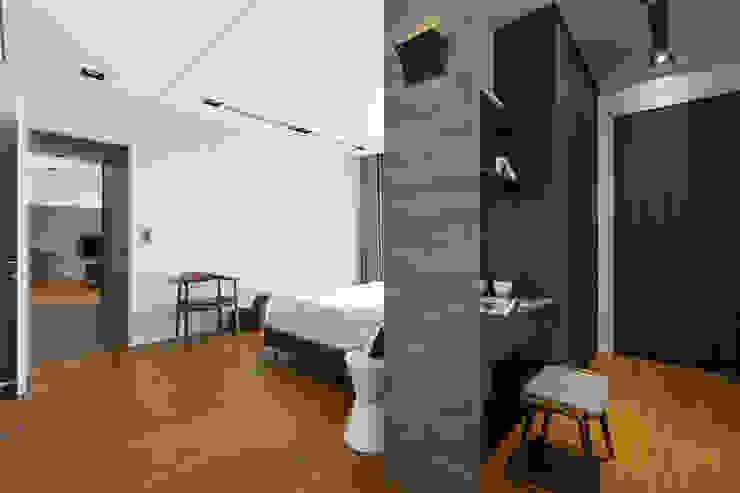 更衣室的規劃: 現代  by 一水一木設計工作室, 現代風